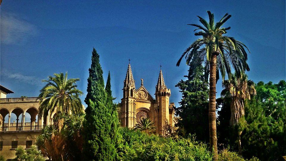 Almudaina Palace and Palma Cathedral