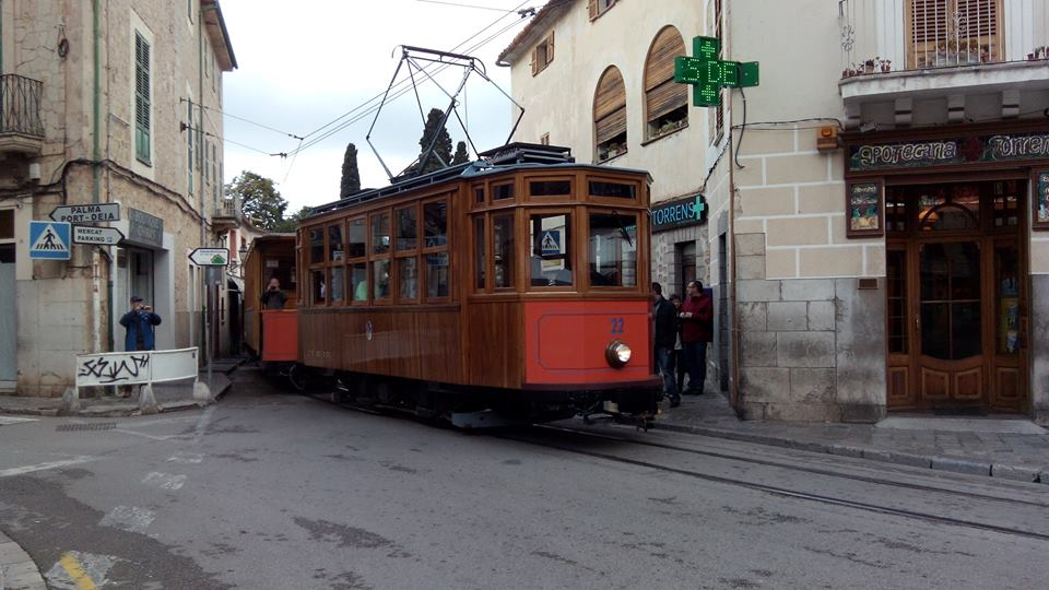 The tram to the port